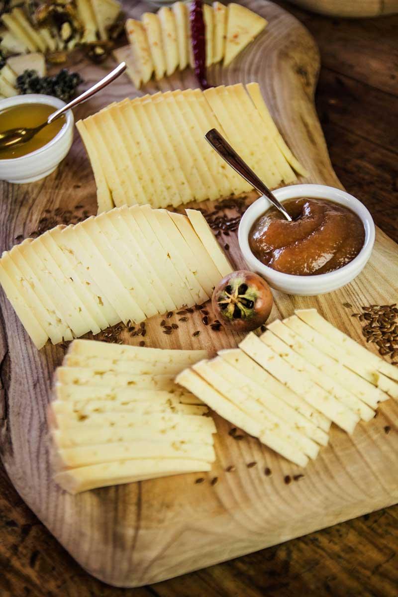 come abbinare formaggi miele e confetture