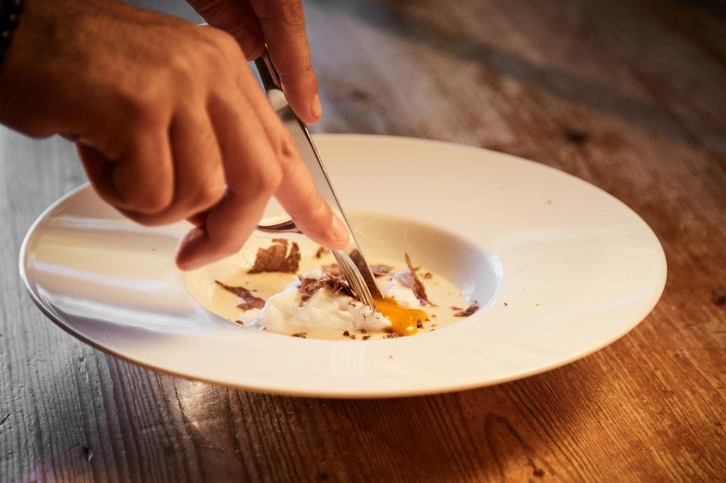 ricetta uovo in camicia tartufo